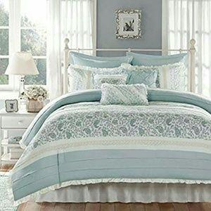 Other - Madison Park Queen 9 Piece Comforter Set